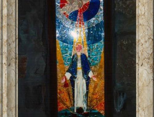 Cristaleras en la Iglesia del Hogar de la Madre