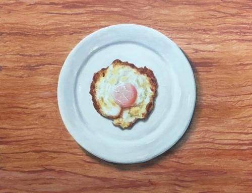 Huevo con plato